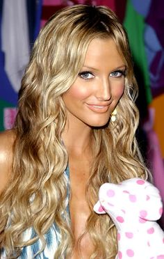 Beachy waves, I want this look this summer.