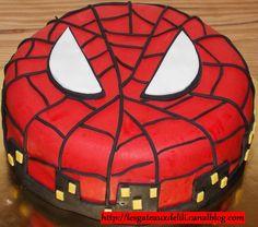2013 02 22 - spiderman - gâteau en pâte à sucre