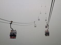 Teleféricos en el trayecto hasta Ngong Ping. Mike Bove