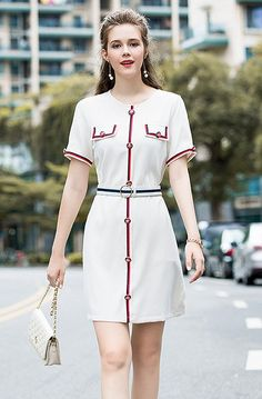 Westfront - Vestido Elegante - Westfront Look Fashion, Girl Fashion, Fashion Dresses, Womens Fashion, Casual Frocks, Look Vintage, Fashion Design Sketches, Embroidery Fashion, Formal Looks