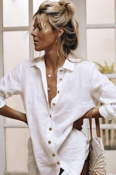 Simple Everyday Spring Shirts Simple Everyday White Shirt for Spring Summer Spring Summer Fashion, Spring Outfits, Trendy Outfits, Fashion Outfits, Fashion Tips, Fashion Trends, Work Outfits, Beauté Blonde, Cooler Style