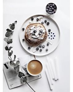 Sunday breakfast should always looks like this!  Photo credit: @onlydecolove 