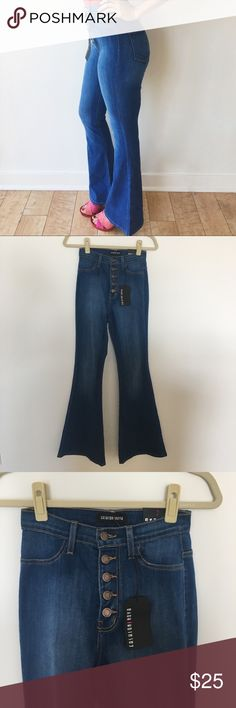 70's Flare Jeans by Fashion Nova Super cute by Fashion Nova size 7 but are strechy and would fit a size 8. Too late to return them. Fashion Nova Jeans Flare & Wide Leg