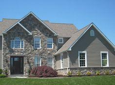 Stone Siding For Homes Stone Siding House Stone Siding Panels For Homes Stone Siding Panels, Stone Veneer Siding, Stucco Siding, Stucco Homes, House Siding, Wood Siding, Exterior Siding, Front Yard Design, Patio Design