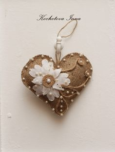 wrap old jewerly items around heart and stitch on +royalty Felt Christmas Ornaments, Christmas Crafts, Valentine Crafts, Valentines, Burlap Projects, Fabric Hearts, Burlap Lace, Hessian, Lace Heart