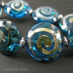 Armband met homemade glas lampwork kralen aqua van irenesKralen op DaWanda.com