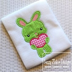 Bunny Holding Heart 94 Appliqué Design: Jazzy Zebra Designs