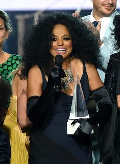 LOS ANGELES, CA – NOVEMBER 19: Honoree Diana Ross accepts the Lifetime Achievement award onstage during the 2017 American Music Awards at Microsoft Theater on November 19, 2017 in Los Angeles, California. (Photo by Kevin Winter/Getty Images)