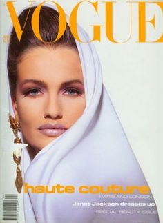 Vogue UK 1991 with Karen Mulder on the cover. Vogue Covers, Vogue Magazine Covers, Fashion Magazine Cover, Fashion Cover, Vogue Uk, Vogue Fashion, Vogue Vintage, Vintage Glamour, Claudia Schiffer