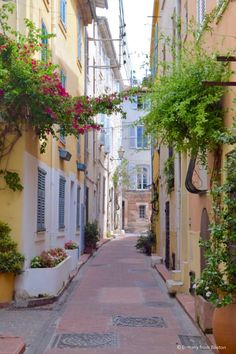 Around the World in 50 Photos // Brittany from Boston