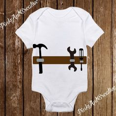 Tool Belt with Hammer Baby Costume – Baby Boy Onesies Handy Man Halloween – Funny Awesome Onesies – Baby Boy clothes – Baby Shower - Baby Boy Names Baby Girl Names Cute Baby Boy, Baby Boys, Baby Kostüm, Baby Girl Names, Cute Babies, Boy Names, Camo Baby, Carters Baby, Toddler Boys