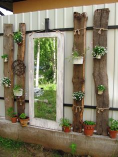 Dekorieren Sie den Zaun oder K . - # fence # З ., dekoration Dekorieren Sie den Zaun oder K . - # fence # З . Diy Garden Decor, Garden Art, Farm Gardens, Outdoor Gardens, Cerca Diy, Jardin Vertical Artificial, Diy Fence, Fence Ideas, Walled Garden