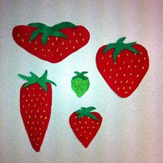 The Big Hungry Bear, the Little Mouse, and the Red Ripe Strawberry 1. Flannel game with Mouse Puppet (look at green strawberry, talk about ripe and unripe, mouse is going to eat the longest strawberry, widest, most seeds, greenest, biggest) 2. Strawberry hunt, using mache strawberries