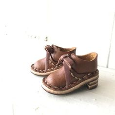 Real Leather: Ribbon shoes/camel