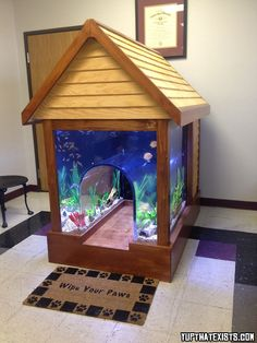 2 in 1 Fish tank/Dog house  Not sure if you want to get a pet fish or dog? No Need to contemplate anymore, because someone has invented a 2 in 1 fish tank/dog house. Let your pets get to know one another by letting them live side by side in this ridiculously unique product.