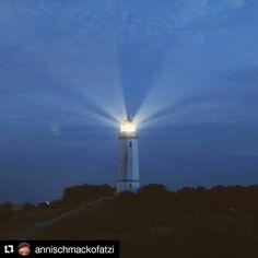 Der Dornbusch Leuchtturm bei Nacht. #Repost von @annischmackofatzi.  Tschüss du wunderschöne Insel!  #hiddensee #hiddenseeliebe #hiddenseeforum #leuchtturm #lighthouse #lighthouses #ostseeküste #ostsee #sea #meer #hiddensee2016 #night #longexposure