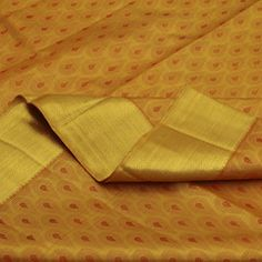 The all-gold radiance of this splendid Sarangi silk sari is simply a force to be reckoned with.