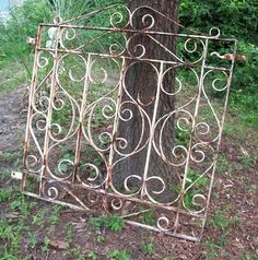 New garden fence iron patio Ideas Wrought Iron Garden Gates, Garden Gates And Fencing, Wrought Iron Decor, Metal Gates, Garden Entrance, Garden Doors, Old Gates, Iron Headboard, Metal Garden Art