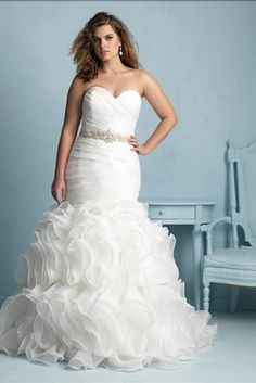 This beauty from Allure Bridals Women Collection | 31 Jaw-Dropping Plus-Size Wedding Dresses