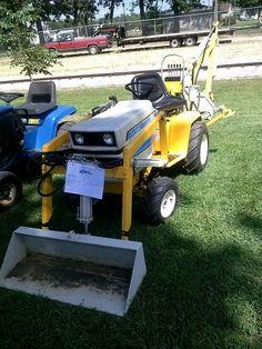 Cub Cadet 1450 W/Loader & Backhoe John Deere Garden Tractors, Yard Tractors, Small Tractors, Cub Cadet Tractors, Garden Tractor Pulling, Garden Tractor Attachments, John Deere 318, Homemade Tractor, Tractor Accessories