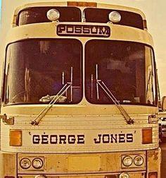 """George """"Possum"""" Jones tour bus Best Country Singers, Best Country Music, Country Music Stars, Country Artists, Country Songs, Charley Pride, Vintage Western Wear, Bus Living, George Jones"""