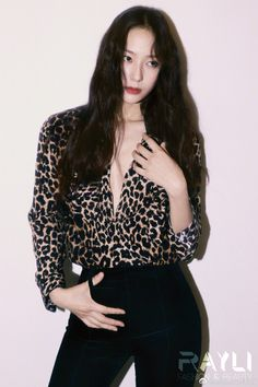 Krystal Fx, Jessica & Krystal, Jessica Jung, Krystal Jung Fashion, Idol, Actress Jessica, Instyle Magazine, Cosmopolitan Magazine, Ulzzang Girl