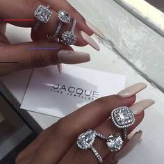 And All Things Glam. The Bling Ring, Bling Bling, Accessoires Iphone, Girly, Look Vintage, Diamond Are A Girls Best Friend, Luxury Jewelry, Diamond Rings, Diamond Jewellery