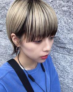画像に含まれている可能性があるもの:1人、子供、クローズアップ、屋外 Short Choppy Hair, Short Hair Styles, Short Hairstyles For Women, Cool Hairstyles, Bob Hair Color, Aesthetic Hair, Japanese Hairstyle, Asian Hair, Gold Hair