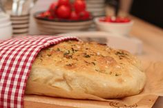 Foccacia with herbs Food N, Food And Drink, Herbs, Favorite Recipes, Dessert, Baking, Creative, Dessert Food, Bread Making