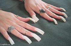 Long, curved and unpolished acrylic nails. Grey Acrylic Nails, Classy Acrylic Nails, French Tip Acrylic Nails, Long Square Acrylic Nails, Gold Glitter Nails, Flare Acrylic Nails, Bad Nails, Sexy Nails, Long Fingernails
