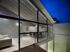 Modern and Minimalist Wrap House by Japanese Architects | DigsDigs