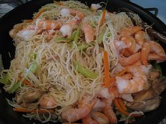 Mei fun is a kind of rice noodles, that was originated from south China. This recipe with shrimp could both be fried or boiled with soup. Ingredients 1 package mei fun vegetable oil for frying 1 tbsp shrimp, peeled 1…