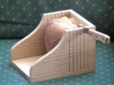 free plans woodworking resource from RunnerDuck - free woodworking plans projects wooden handle bread slicers #SmallWoodworkingProjectsFreePlans #woodworkplans #WoodworkPlans