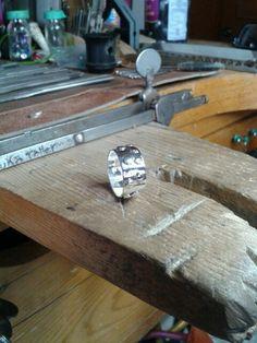 Anillo granulado en plata .925  U$50°°