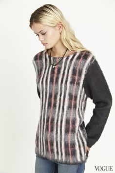 31 Days of Sweaters: Cozy Knitwear for Fall – Photos – Vogue - Vogue Mohair Sweater, Warm Sweaters, Fall Photos, Style Icons, Preppy, Knitwear, Tees, Shirts, Autumn Fashion