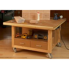 Wood Magazine - Woodworking Project Paper Plan to Build Reliably Rugged Assembly Table Woodworking Assembly Table, Kids Woodworking Projects, Woodworking Furniture Plans, Woodworking Store, Popular Woodworking, Wood Projects, Wood Furniture, Woodworking Techniques, Craft Projects