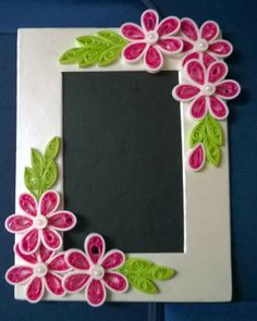 Photo Frame - A Helpful Article About Photography That Offers Many Useful Tips Quilling Dolls, Neli Quilling, Origami And Quilling, Quilling Craft, Paper Quilling Tutorial, Paper Quilling Patterns, Quilled Paper Art, Photo Frame Designs Handmade, Quilling Photo Frames