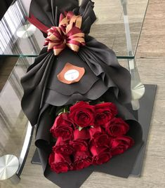 Sky Aesthetic, Flower Aesthetic, S Love Images, Chocolate Hampers, Beautiful Gif, Fresh Flowers, Natural Makeup, Flower Designs, Flower Arrangements