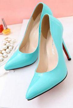 Scarpa con tacco alto cm 11.5. Alta qualità. Offerte a € 19,90 su http://qpoint.eu/prodotto/scarpe-donna-tacco-11-5/
