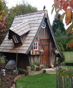 Best 15 Tiny House Ideas Cottages & On Wheels 2019 Tiny house living in a small space plans interior cottage DIY modern small house on wheels- Tiny house ideas < The post Best 15 Tiny House Ideas Cottages & On Wheels 2019 appeared first on House ideas. Small Houses On Wheels, House On Wheels, Fairy Houses, Play Houses, Crooked House, Fairytale House, Witch House, Tiny House Plans, Shed Plans