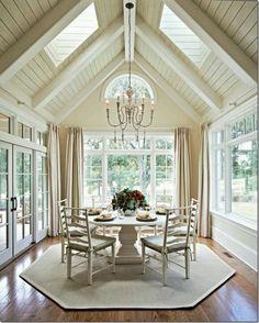 10 Cathedral Ceiling Design Ideas For Your Luxury Rooms Contemporary Living, Contemporary Design, Decor Interior Design, Interior Decorating, Brick Interior, Sunroom Decorating, Interior Colors, Shiplap Ceiling, White Ceiling
