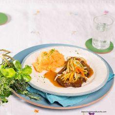 Esterházy-Rindsschnitzel mit Gemüsepüree Main Meals, Spaghetti, Ethnic Recipes, Food, Fish Dishes, Beef, Treats, Easy Meals, Chef Recipes