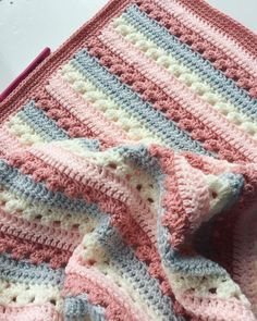 Free crochet pattern for baby blankets for beginners 2019 - crafts - - # . Free crochet pattern for baby blankets for beginners 2019 - crafts - - # Häkelanleitung Blog Crochet, Crochet Simple, Crochet Gifts, Crochet Toys, Crochet Baby Blanket Free Pattern, Crochet For Beginners Blanket, Crochet Afghans, Knitting For Beginners, Beginner Crochet