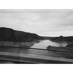 Viajando de. Madrid a Valencia #renfe #aviary #tren #train #travel #landscape #blancoynegro #blackandwhite #paisaje #belenjmartinez #photography #photos