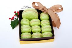 """[Translate] If you've been one of my longtime readers, you know I have an obsession with macarons. I admit I go insane over Pierre Hermé macarons. (When I landed in Paris for vacation last May, the top """"must do things"""" on my first day was to go to any of Hermé's boutiques and have his macarons and pastries!) My box of homemade pistachio macarons In case you didn't know, Pierre Hermé is one of the preeminent pastry chefs in the world and most known for his macarons and his unusual flavor ..."""