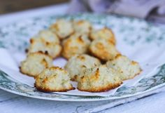 Coconut Lime Macaroons #ComfyBelly