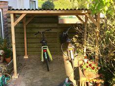 #Fietsenhok #Fietsenhokken #Fietsenstalling #Fietsberging #Fietsenberging #Fietsoverkapping #Fietsenschuur #Fietsenafdak #Fietsafkapping #Fietshok #BicycleShed #BikeShed #Fahrradunterstand #Fahrradschuppen #Fahrradabstellplatz #Fahrradabstellplätze #Fahrradstallung #Fahrradstellplatz #Zweiradgarage #Sedum Best Tiny House, Bike Shed, House Made, Build Your Own, Ladder Decor, Home Decor, Garden, Do It Yourself, Homemade Home Decor