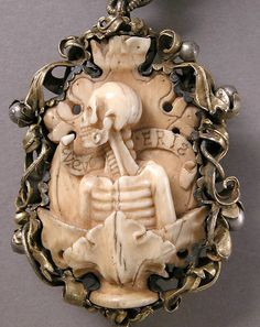 ca German Rosary, Metropolitan Museum of Art. Ivory, silver, and partially gilded mounts. Cameo Jewelry, Skull Jewelry, Jewelry Art, Antique Jewelry, Jewellery, Memento Mori, Image Maker, Landsknecht, Mourning Jewelry