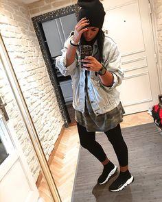 """598 mentions J'aime, 22 commentaires - Ninouche (@ninouchemimi) sur Instagram : """"S p e e d ➰ #sneakers #balenciaga #speed #lifestyle #balenciagaspeed #black #details #hm #outfit…"""""""