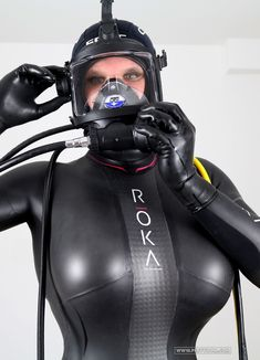 Emma Lee as Frogwoman which has both volupitous sexy,beautiful curves ! Challenge the gentle kinky deep sea deeply as far as the breath continues ! #kfdGroupCommercialDivingEquipment